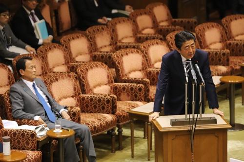 森友文書改ざん問題で国会審議が空転している(写真:つのだよしお/アフロ)