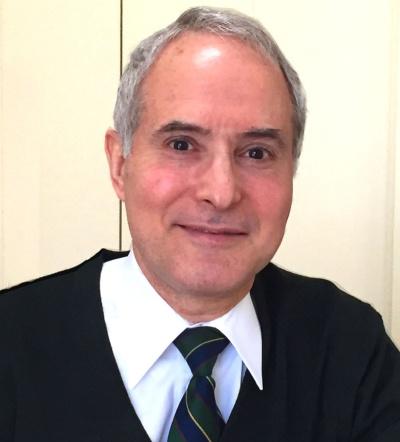 ニコラス・E・ベネシュ氏<br />独立系M&Aアドバイザリー専業ブティックのジェイ・ティ・ピー代表取締役。米国スタンフォード大学卒業後、米国カリフォルニア大学(UCLA)で法律博士号・経営学修士号を取得。旧J.P.モルガンに入り、11年間勤務した後独立。2009年に公益社団法人「会社役員育成機構(BDTI)」を設立し代表理事に。日本在住は30年を超える。これまでにアルプス取締役、スキャンダル後のLDH(旧名ライブドア)、セシールなどの社外取締役を歴任した。在日米国商工会議所(ACCJ)の成長戦略タスクフォース座長なども務める。