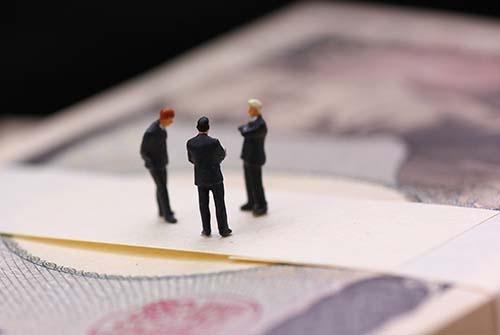 「フィデューシャリー・デューティー」(受託者責任)が、日本の資産運用会社に徹底されれば、グループ会社の商品を扱うことも難しくなるかもしれない