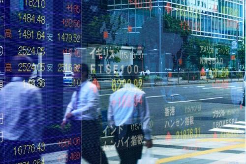 日経平均株価は上値が重い展開が続いている。(写真:PIXTA)