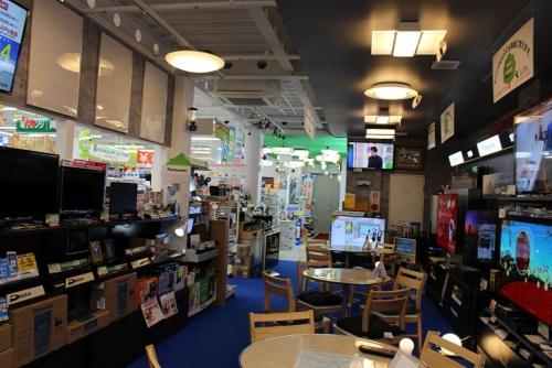 460万円を投じて改装したテレビ売り場。左側に間仕切りを付け、両側に商品を展示できるようにした