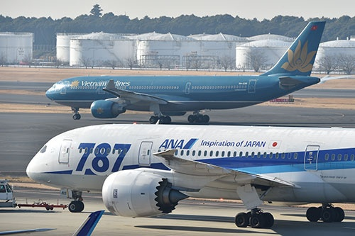 ANAホールディングスが、ベトナム航空に出資することが発表された。航空各社の勢力図も大きく変わりそうだ(撮影:吉川 忠行)