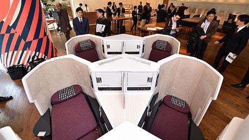 国内航空会社では初めてとなる「ヘリンボーン配列」がこれだ