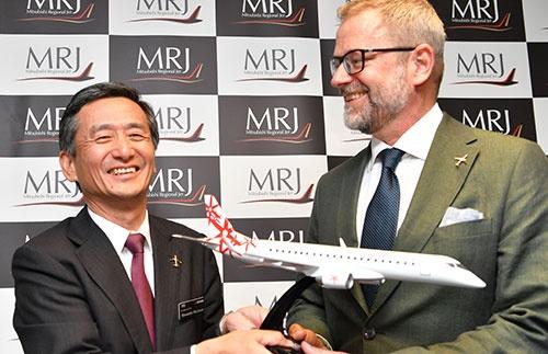 MRJはスウェーデンの航空機リース会社と最大20機を発注する契約締結に向けた基本合意に至った(撮影:吉川 忠行、ほかも同じ)