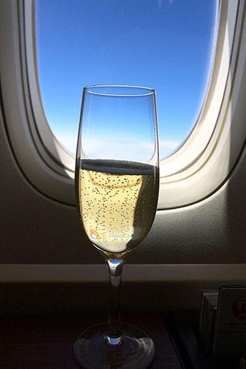 JALのファーストクラスで味わえる「シャンパーニュ サロン」