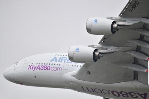 エアバスの総2階建てA380も、生産ペースを落とすと発表