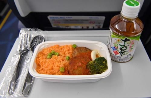 成田から台北へ向かう間に食べた機内食
