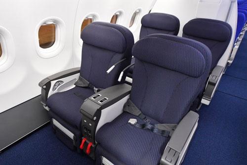 ANAは初めて、プレミアムクラスのシートに電動シートを導入した