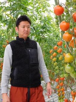 「日本の農業がガラパゴス化してはいけない」と話す浅井雄一郎氏(三重県津市の実験棟)