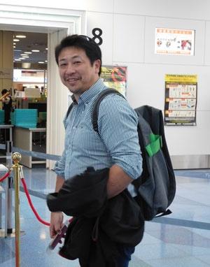 羽田空港からオランダに向けて出発する今井氏。8割の時間をオランダで過ごしている