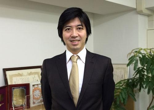オイシックスの高島宏平社長は大地を守る会の生産者ネットワークをリスペクトする。(東京・品川のオイシックスのオフィス)
