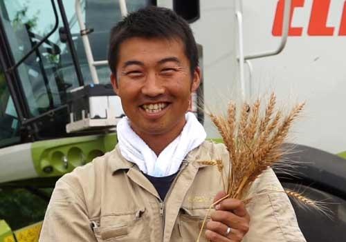 「日本の農業者は世界を知ったほうがいい」と話す前田茂雄さん(北海道本別町、前田氏提供)