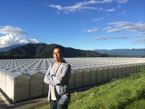 農業経営の革新の可能性を語る田中進氏(山梨県北杜市)