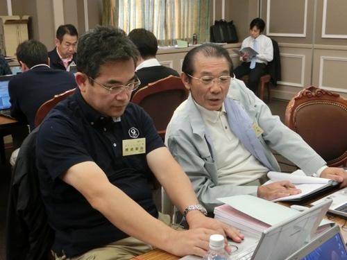 中小企業家同友会の勉強会に参加する沢浦彰治氏。