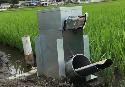 九州大学と共同で開発した自動給水機