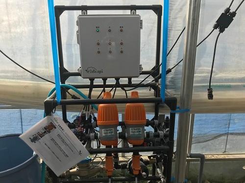 水と肥料の供給を自動制御する「ゼロアグリ」(福島市)