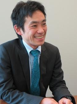 """日経ビジネスオンラインに寄稿を始めた頃の著者(『<a href=""""/article/interview/20131227/257668/"""">サプライヤーとは戦略的に癒着する</a>』)より"""