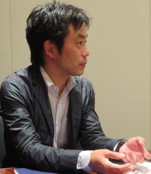 坂口 孝則氏