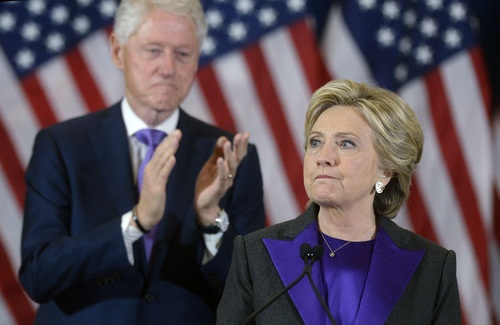 ヒラリー・クリントン氏は、2016年11月9日、ニューヨークのニューヨーカーホテルで米大統領選の敗北演説を行った。(写真:代表撮影/UPI/アフロ)