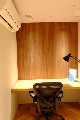 市民作家に登録すると執筆部屋として利用できるカンヅメブース