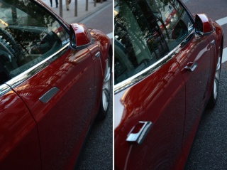 普段はドアハンドルが収納されている(左)が、キーを持ってクルマに近づくと、自動的にせり出してくる(右)