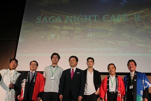 バンコクで佐賀県をPRしようと、山口祥義佐賀県知事と、唐津、武雄、伊万里、鹿島、嬉野、の5人の市長が登場。トップセールスが繰り広げられた。