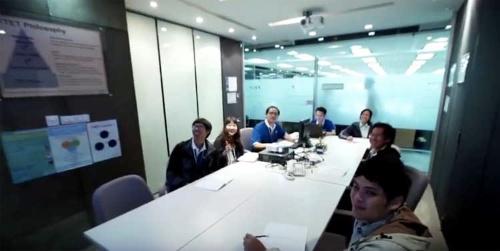 従業員214人中、日本からの駐在員は2人。残りは現地採用(うち日本人20人)。タイ人と日本人の融合なくして事業は進まない。