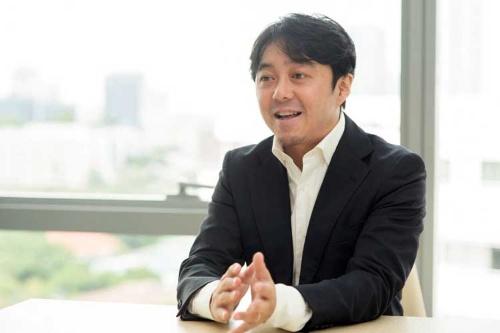 アジアン・アイデンティティの中村勝裕氏。タイ人スタッフとともにアジアのローカルに根ざした人材組織コンサルティングを手掛けている。
