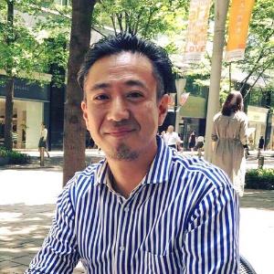 マルサ斉藤ゴムの三代目、斉藤靖之。タイで収益源を確保しながら風船の新しい可能性に挑戦している。