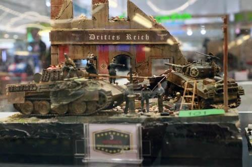 年に1回開催されているホビーモデルコンテストの応募作品。人気が高いのは戦闘機や戦車部門だ。