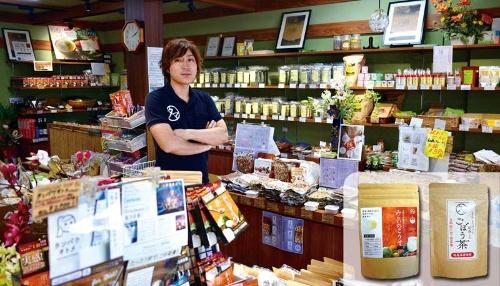 <b>タマチャンショップはアリババを介して中国市場に自然食品を拡販する。田中耕太郎店長</b>(写真=藤村 広平)