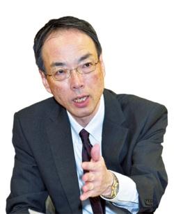 金融庁の森信親長官は就任以降、一貫して毎月分配型投信とその販売体制を批判してきた(写真=共同通信)