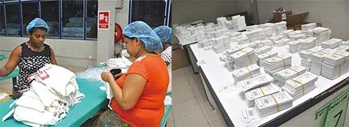 コロンボにあるエクスポランカの倉庫では、アジアで製造されて運ばれてきた衣料に作業員がタグを付ける(左)。欧米やアジア、中東など、様々な輸出先のラベルが並ぶ(右)。