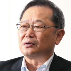 常務執行役員 餅田 義典