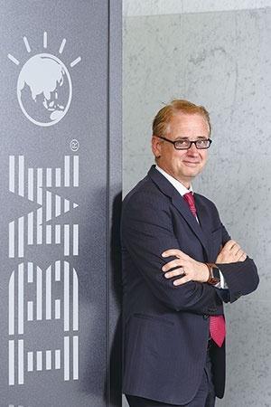 <b>IBMのワトソン事業トップに就任したデービッド・ケニー氏。以前は買収した気象予報会社のCEOだった</b>(写真=北山 宏一)