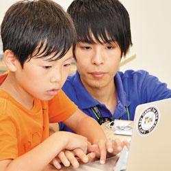 <b>サイバーエージェント子会社のCA Tech Kidsでは、隔週コースを廃止し、毎週のコースで「質」を追求</b>(写真=栗原 克己)