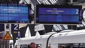 """<span class=""""fontBold"""">5月の世界同時多発サイバー攻撃ではドイツの鉄道も被害に遭った。掲示板は乗客に故障を伝えている</span>(写真=picture alliance/アフロ)"""