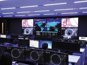 """<span class=""""fontBold"""">米シマンテックが7月に拡大した東京セキュリティオペレーションセンター。脅威インテリジェンスにより顧客企業のリスクを事前に摘み取る</span>"""
