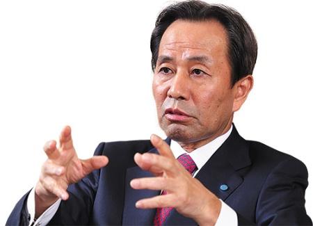 山名昌衛社長は「事業構造を変革し会社を進化させる」と語る(写真=北山 宏一)