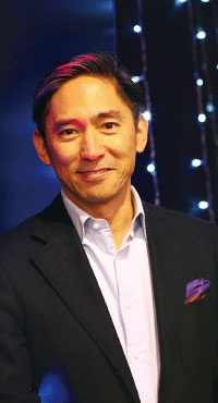 <b>AWS日本法人の長崎忠雄社長は「製品ロードマップの9割は顧客の声で決まる」と話す</b>(写真=鍋島 明子)