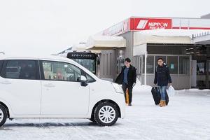 ニッポンレンタカーではアジア系の利用者が増えている(写真=船戸 俊一)