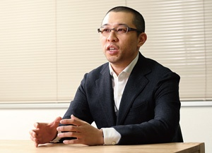 高梨社長は会員制サービスを導入し、収益基盤が安定した飲食店の運営を広げる(写真=陶山 勉)