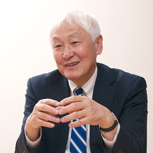 <b>中島浩一郎社長は、CLTの普及で日本の林業活性化を目指している</b>(写真=松田 弘)