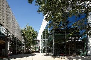 <b>2011年12月に開業した「代官山T-SITE」。書店を核とした商業エリア</b>