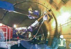 トンネル内部の補強