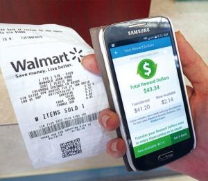 セービングキャッチャー。レシートのQRコードを専用アプリで読み取ると、近隣の競合他社の価格を提示、差額をクーポンで戻してくれる