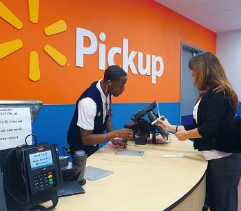 こちらは店内ピックアップサービス用のカウンター。主に雑貨や日用品で使われる。すべてのスーパーセンターで利用可能