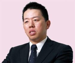 たかた・あきと 1979年生まれ。野村証券を経て2003年ジャパネットたかた入社。15年から 現職。(写真=都築 雅人)