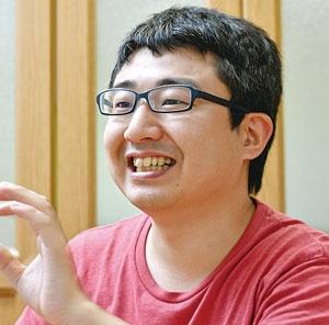 吉本龍司代表は小学3年でパソコンを手にして以来、プログラミングのとりこに(写真=早川 俊昭)