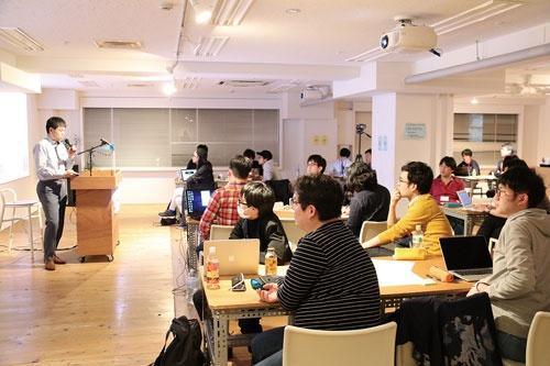<b>データサイエンティストの養成講座も開いている</b>